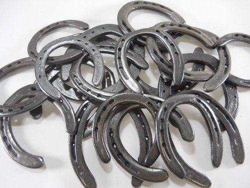 10-Pc-New-old-look-Cast-Iron-Horseshoes-for-Crafting-3-0